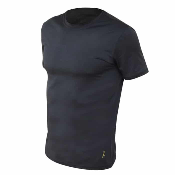 חולצת דרייפיט קצרה בצבע שחור