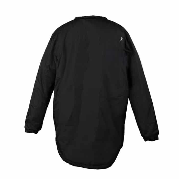 מעיל פוך Rivalבצבע שחור מהצד האחורי